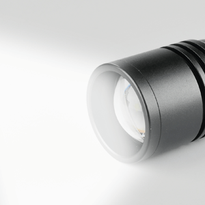Pivoi 15W 1000 Lumens LED Tactical Flashlight